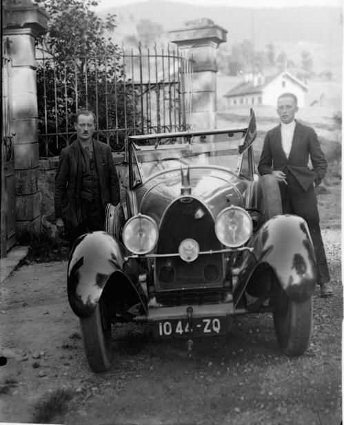 1932-1933-DSCN5927 Andre Cuny Auto Jomard.jpg