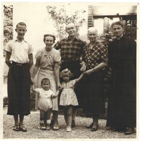 Image17 1940 Famille.jpg