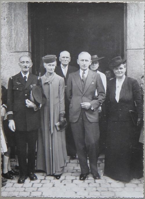 Image19 1941 Mariage Trott les parents.png