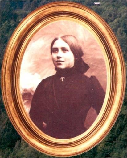 T036-1 Image 2 Clara.jpg