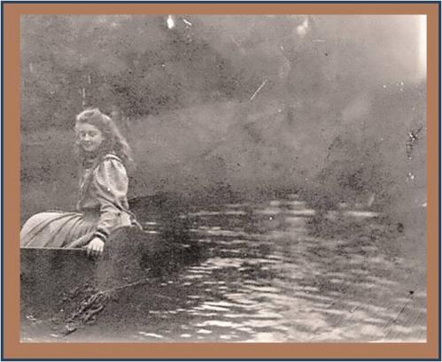Image30 Lily en barque.jpg