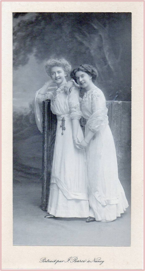Image40 Les 2 soeurs avant leur mariage.jpg