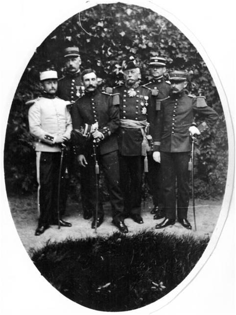 Image8 Bon famille militaire.jpg