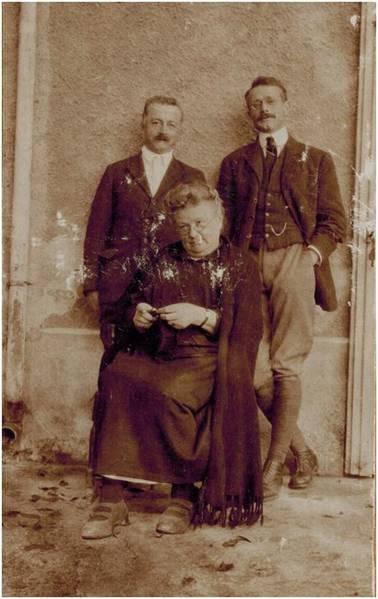 Image29 Pauline et ses 2 fils.jpg