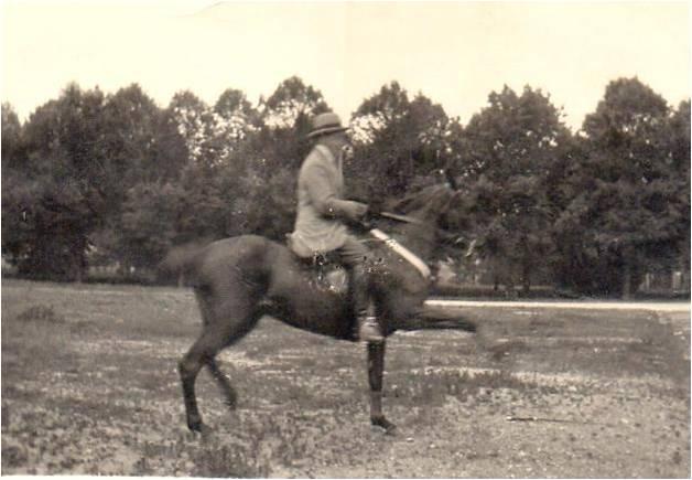 5 Charles à cheval revu.jpg
