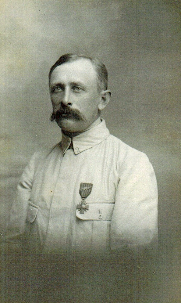 1915 Favre Edouard BEST rogne Photoshop.jpg