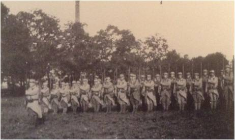 Paul Boucher 6-5 Image6 Soldats manoeuvre au repos.jpg