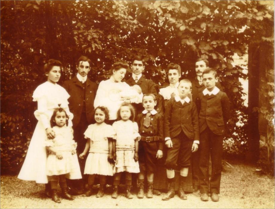 Paul Laurent Image2 Famille en 1903.png