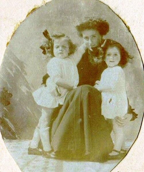 Paul Laurent Image13 B01_0071-04 Mars 1917 - Marseille - Lily Gry Babeth RC R.jpg