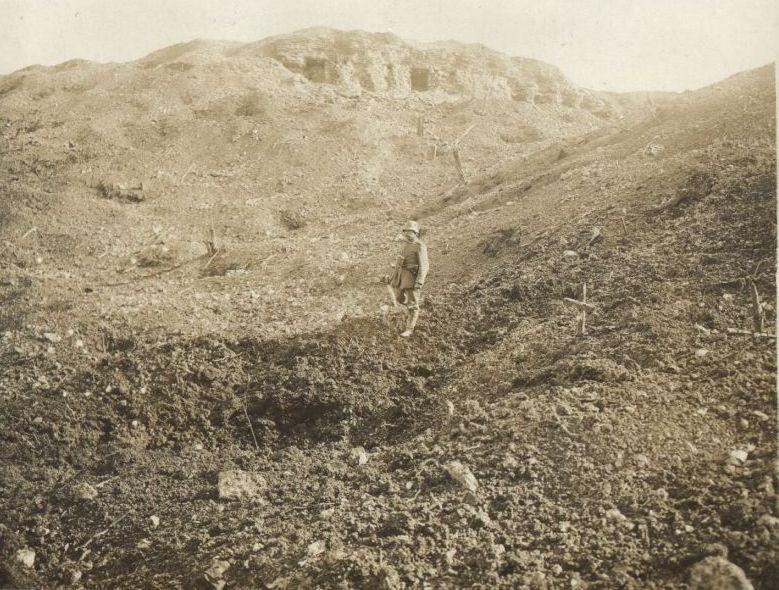 N°6 Un soldat allemand sous DV4 et R.1.jpg