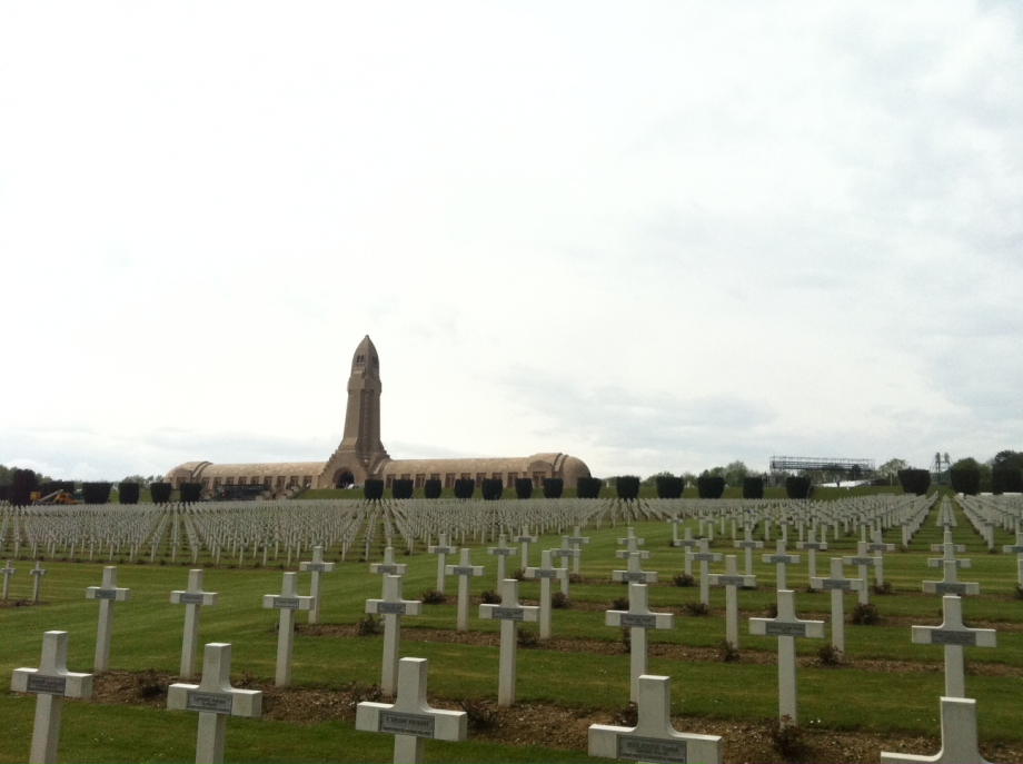 N°17 nécropole et ossuaire de Douaumont.JPG