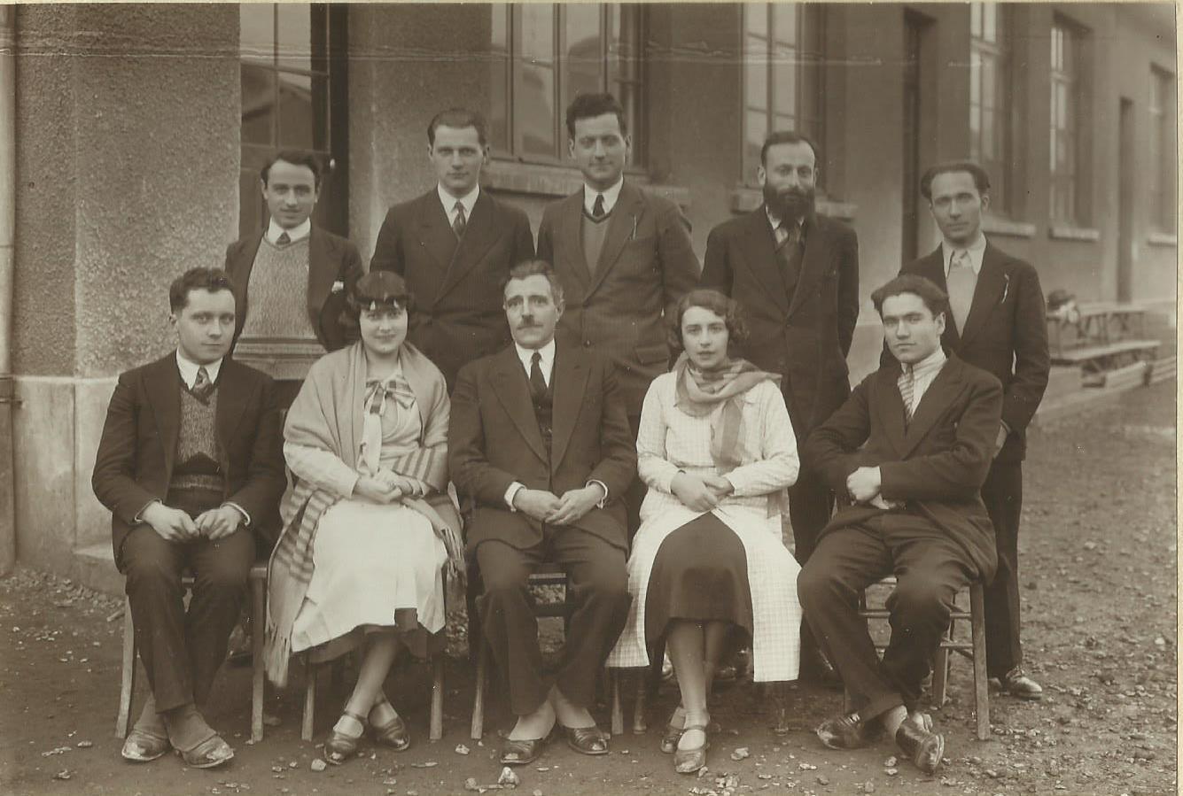Dumont 1931 Instituteurs à Drancy CADRR.jpg