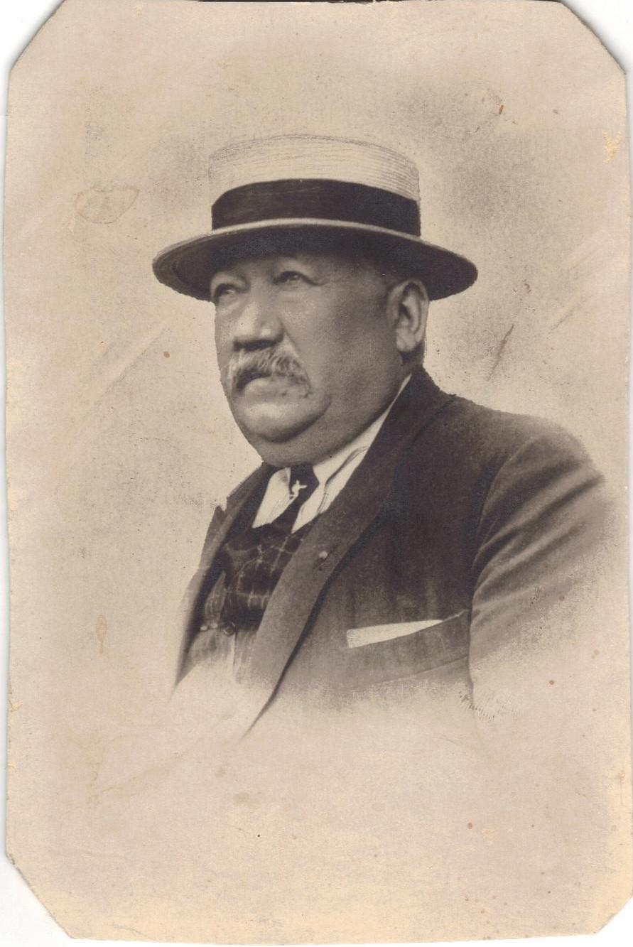 10 Le Maire Albert VALDENAIRE CADRE.jpg