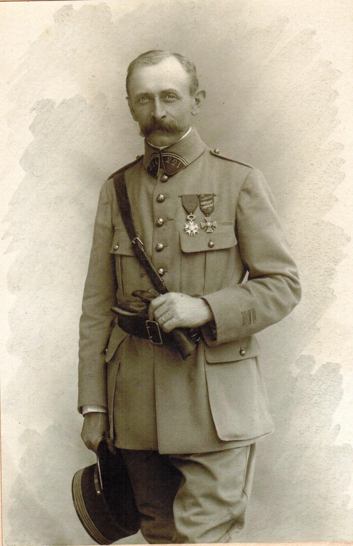 37-1918-1919 Favre Edouard BEST rogne Best.jpg