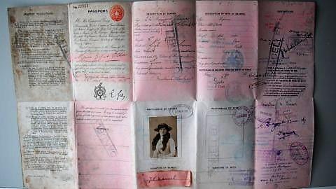 072 Passeport de Juliet REVU.jpg