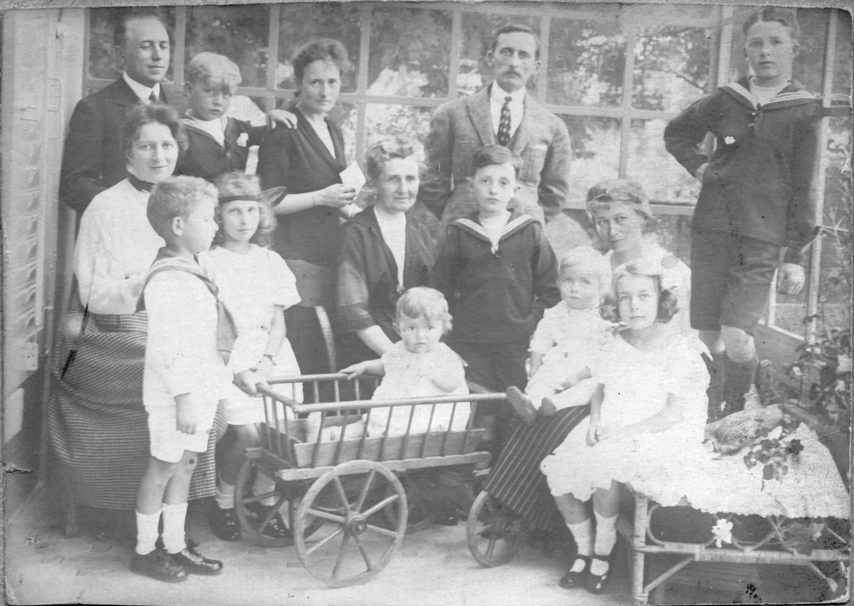 Epilogue Image 5 1919-4-Famille Boucher N&B-023 Corrigee.jpg