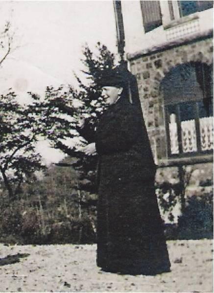 1914 Image14 Marthe Boucher tenue deuil CADRE ELLE.jpg