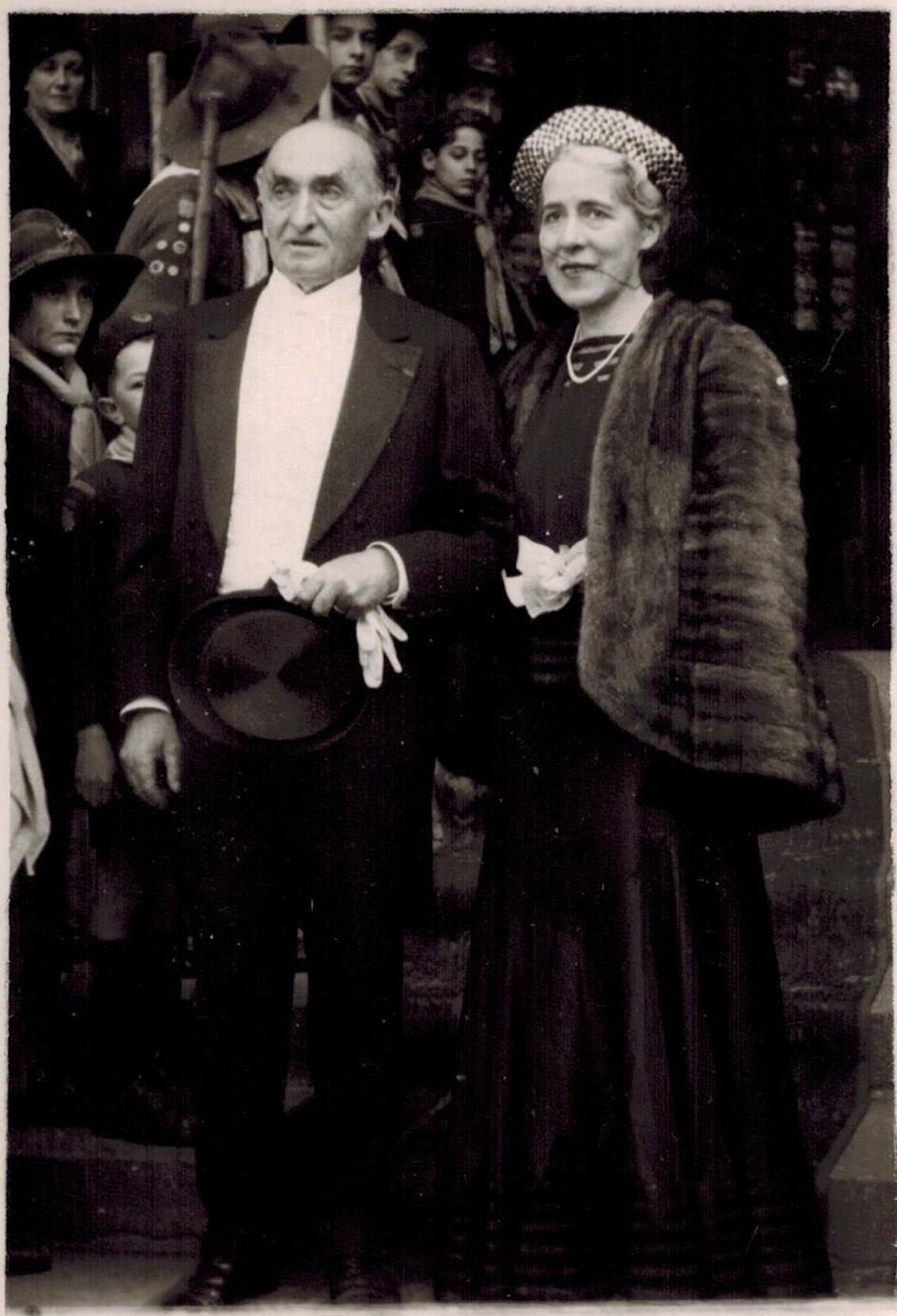 1938-03-19 Georges Cuny et Mme Ponsar au mariage de Criquette de Gérauvilliers (V0434).jpg