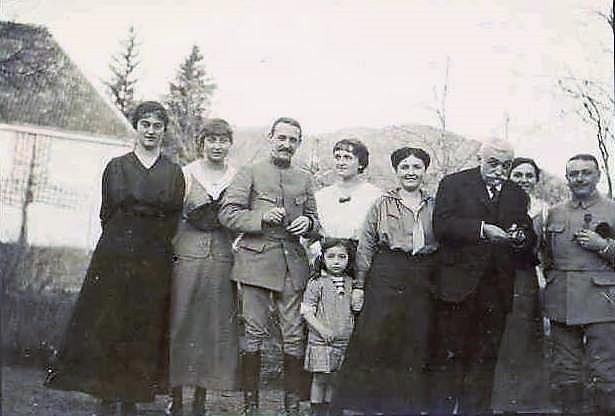 Image 32 1916 Famille Vautrin Saulxures.jpg