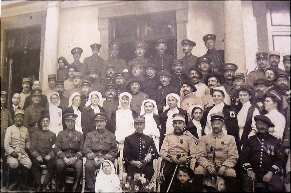 Image 51 1915 Ambulanciers anglais aux Roseaux Image1.jpg
