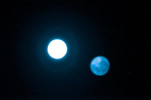 lune double bleue.jpg