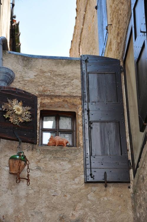 St Guilhem portes.jpg