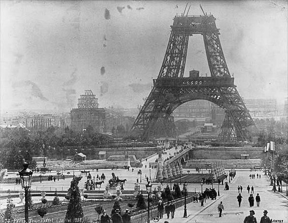 eiffel-tour-construction-paris.jpg
