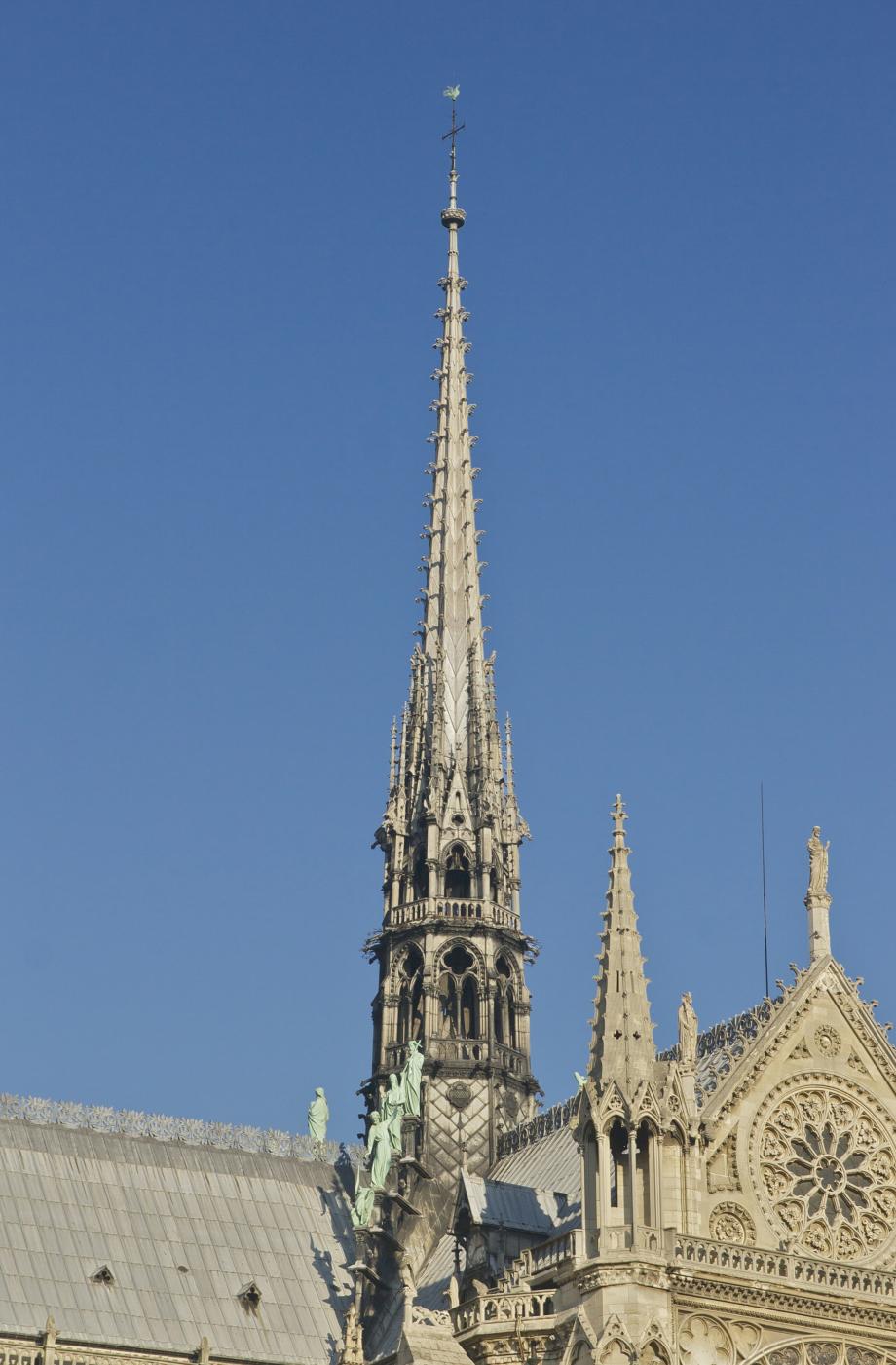 Flèche_Notre-Dame_de_Paris.jpg