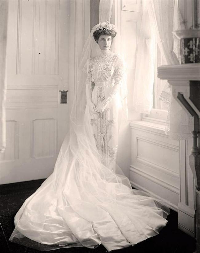 100-ans-de-robes-annee-1900.jpg