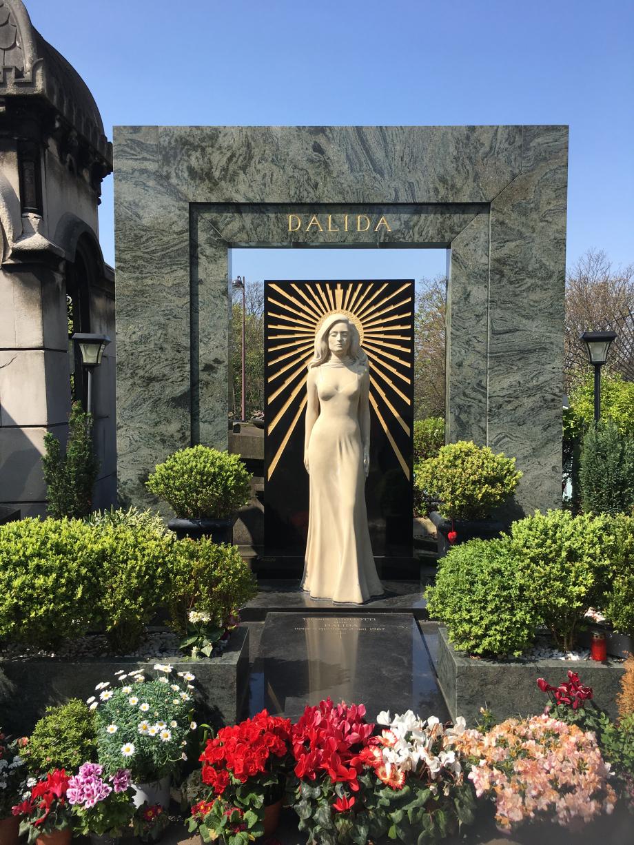 Grave_of_Dalida_08042017.jpg