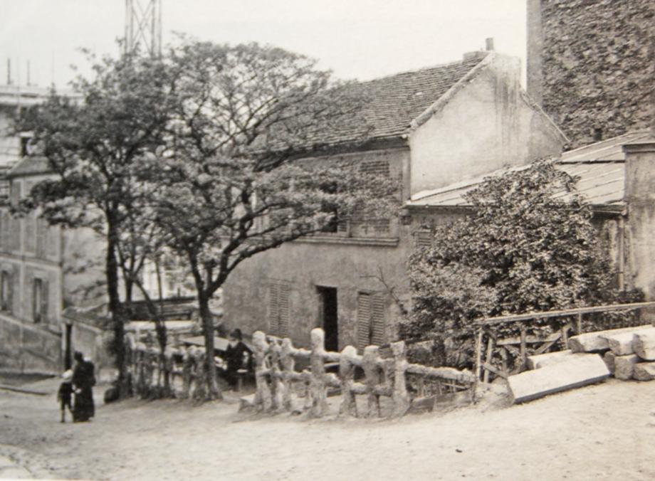 Le-lapin-agile-paris-montmartre-1913.jpg