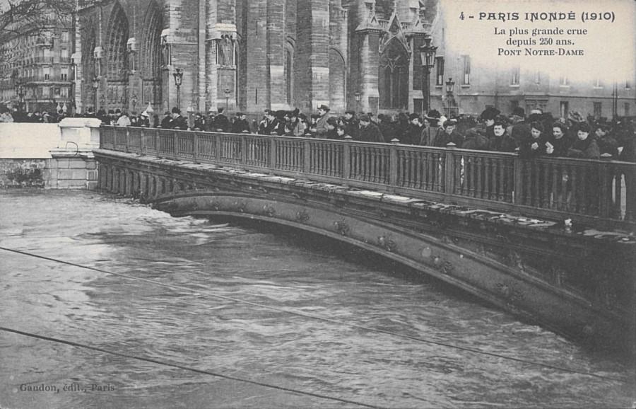 pont-notre-dame-carte-postale-8fi-11._img.jpg