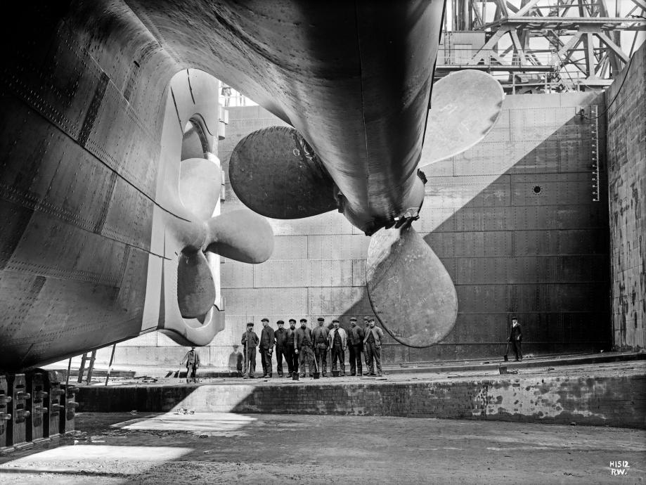 Titanic_rudder_before_launch copie.jpg