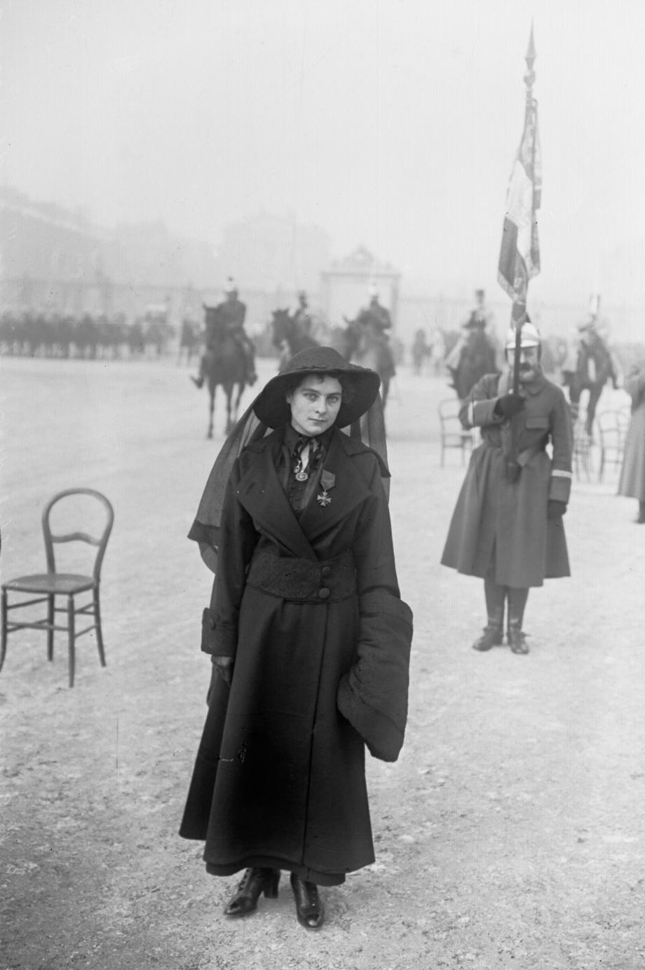 Émilienne_Moreau_1915.jpg