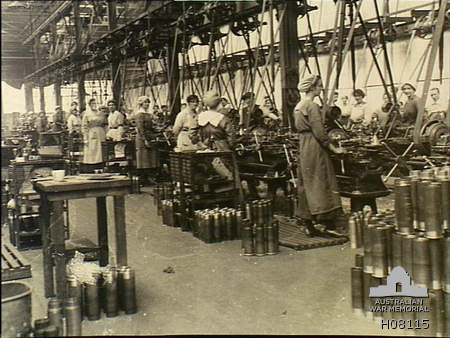 Women_shell_workers_Royal_Arsenal_WWI_AWM_H08115.jpeg