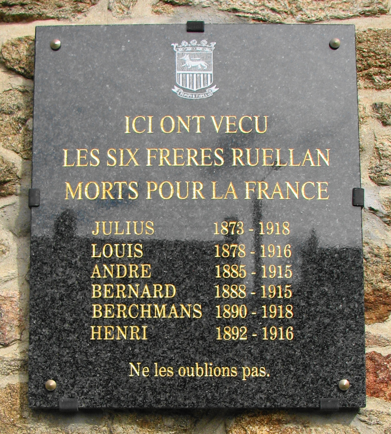 Plaque_frères_Ruellan.JPG