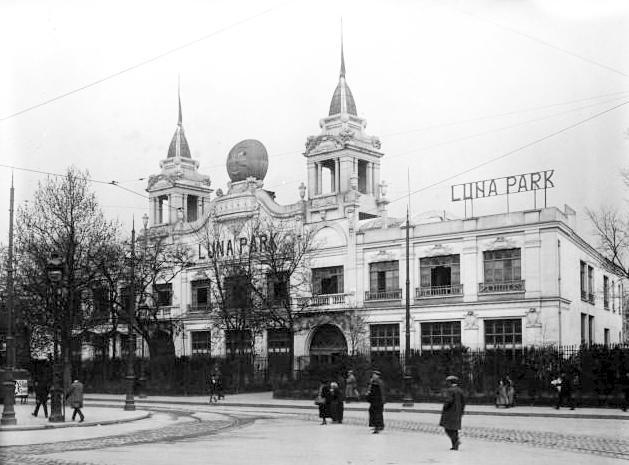 Luna_Park_Paris_1923.jpg