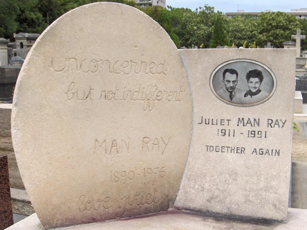 Man_Ray_-_Tombe_-_Cimetière_du_Montparnasse.jpg