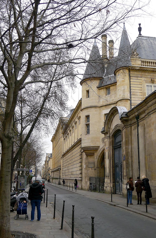 P1000959_Paris_III_Rue_des_Archives_Hotel_de_Clisson_reductwk