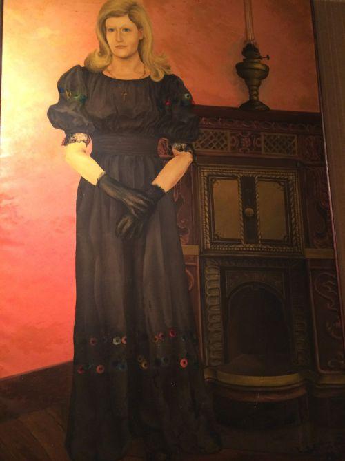 femme à la cheminée