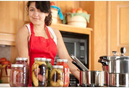 Manger-son-placenta-la-fausse-bonne-idee-des-femmes-qui-viennent-d-accoucher_exact441x300.jpg