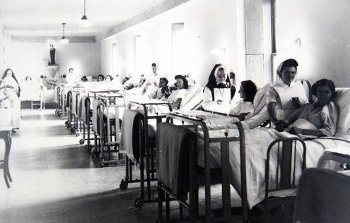 1 La salle Sainte-Thérèse 1944.jpg