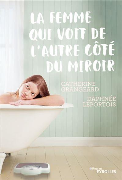 La-femme-qui-voit-de-l-autre-cote-du-miroir.jpg