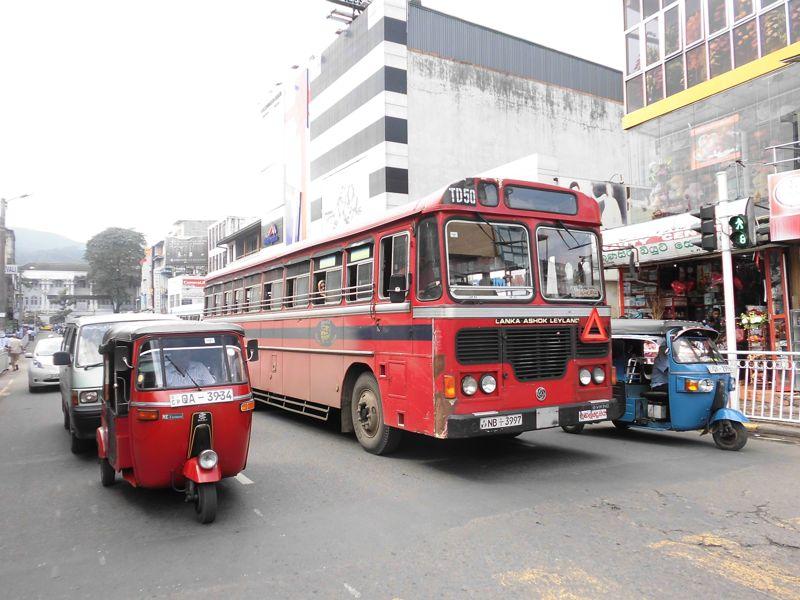 18 fev - en route vers Nuwara Eliya (2).JPG