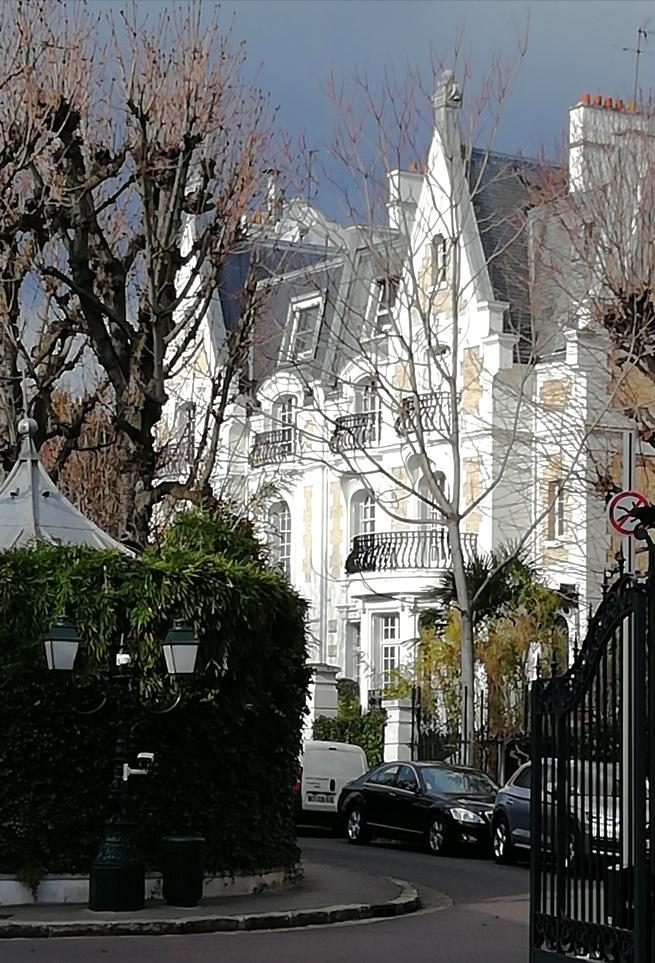 PARIS 16ème - LA VILLA MONTMORENCY
