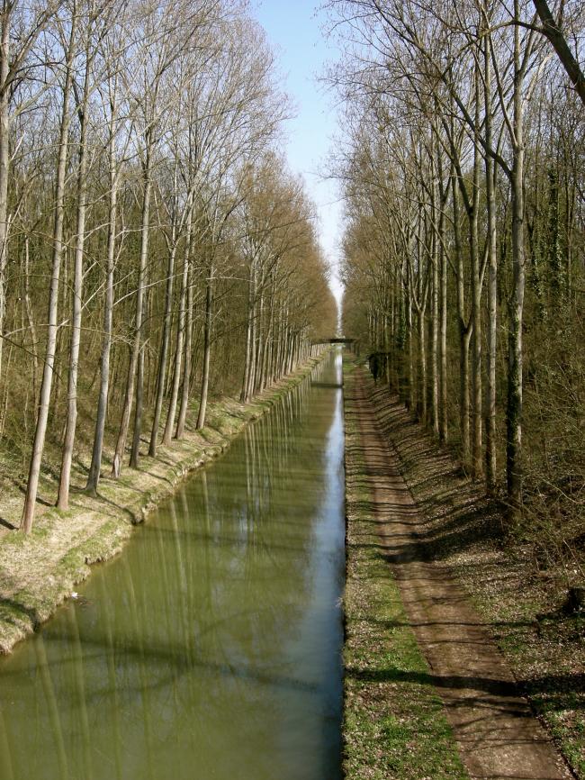 Le canal de l'Ourcq au TREMBLAY EN FRANCE