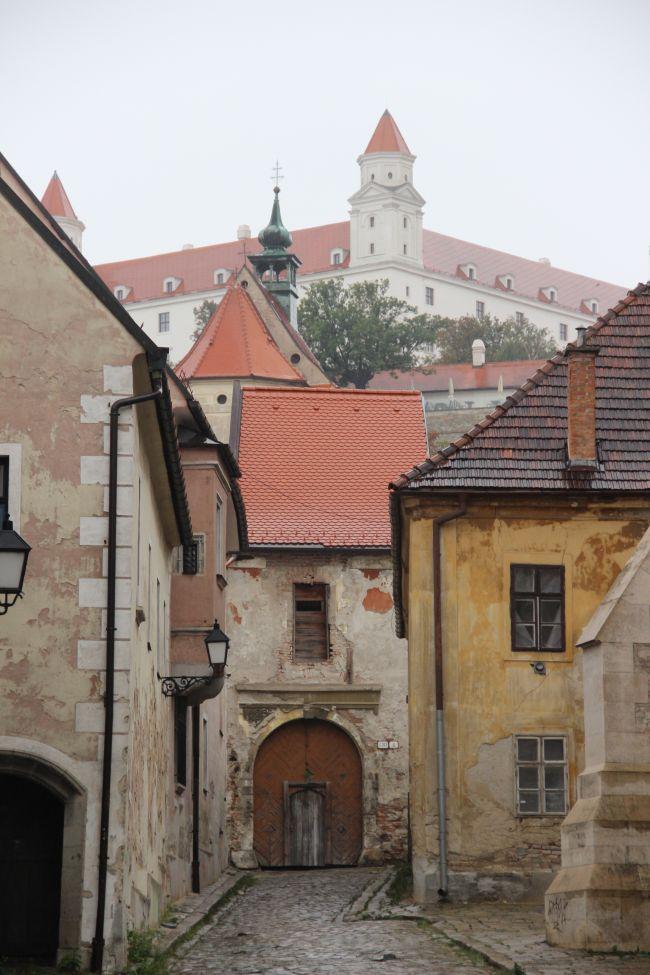 le vieux Bratislava, que domine le château.