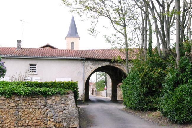 Village de Suaux en Charente entre Angoulême et Limoges