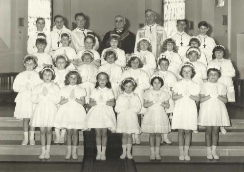 classe 56 Communion solennelle filles PR.jpg