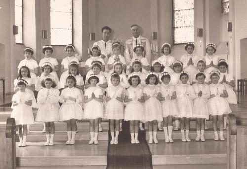 petite communion filles cl57 Esther Ribic detoure PR.jpg